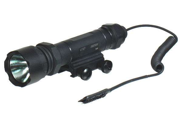 UTG LT-ZL337 Xenon 9-Volt Combat Weapon Light - 260 lumens